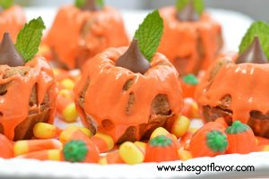Mini Spiced Pumpkin Muffins | ShesGotFlavor
